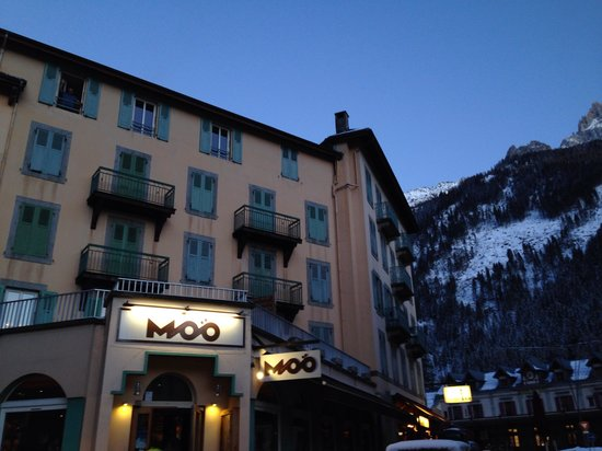 Moo : A great restaurant and bar!