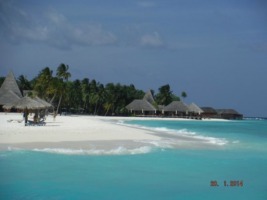 Veligandu Island Resort & Spa: Lovely beach, and lovely breeze