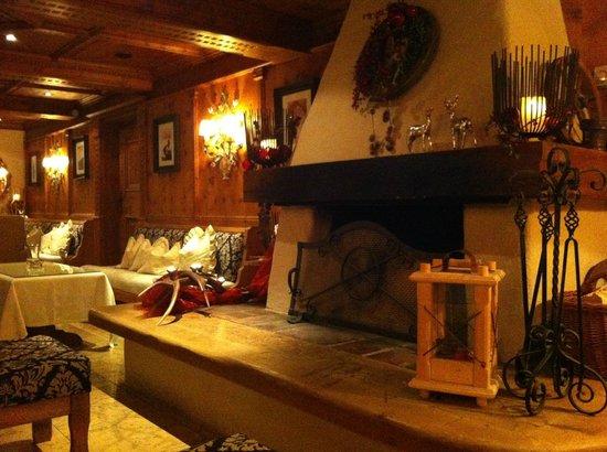 Natur & Spa Hotel Laerchenhof: Cosy bar area