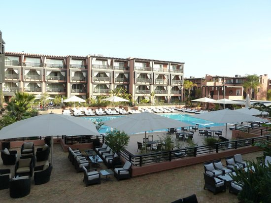 Hotel & Ryads Barriere Le Naoura Marrakech: Piscina