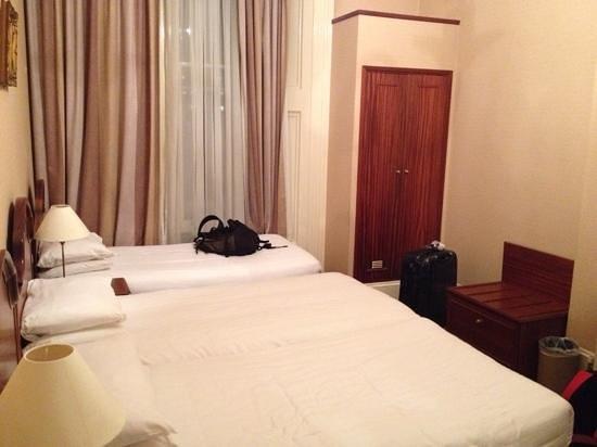 Kensington Gardens Hotel: 3 bed