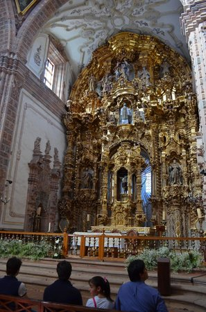 Templo La Valenciana : Interior de la iglesia chapado en hoja de oro.