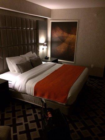 Hotel Zero Degrees Norwalk : Upgraded room
