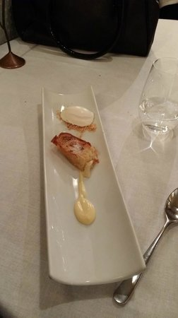 Manairo: Torrija de Santa Teresa con helado de queso y limón