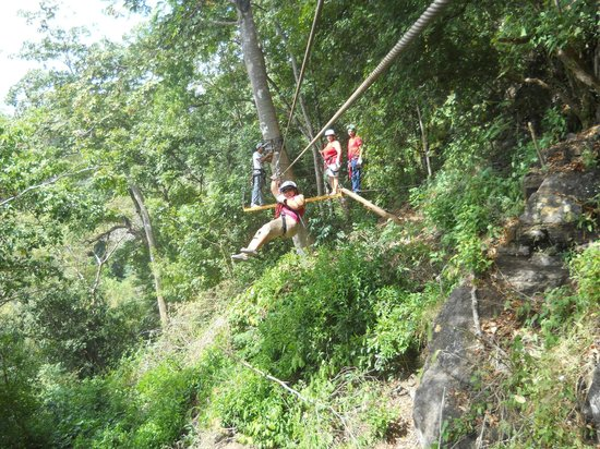 Da Flying Frog Canopy Tours: Zip lining fun!