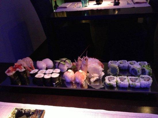 Yu Restaurant: Mix Sushi crudo 3