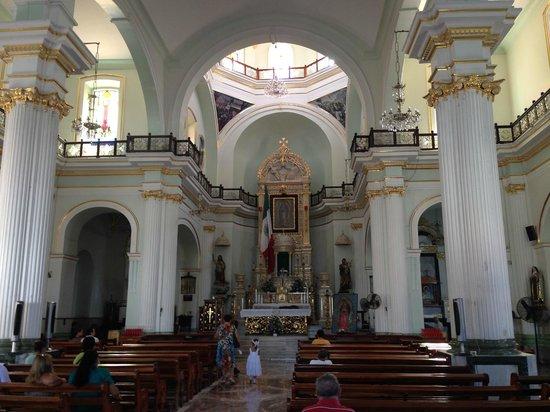La Iglesia de Nuestra Senora de Guadalupe: Inside the church
