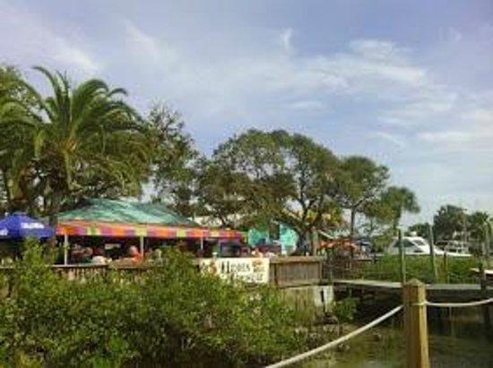 Ponce de Leon Lighthouse: Hidden Treasure Bar and Restaurant