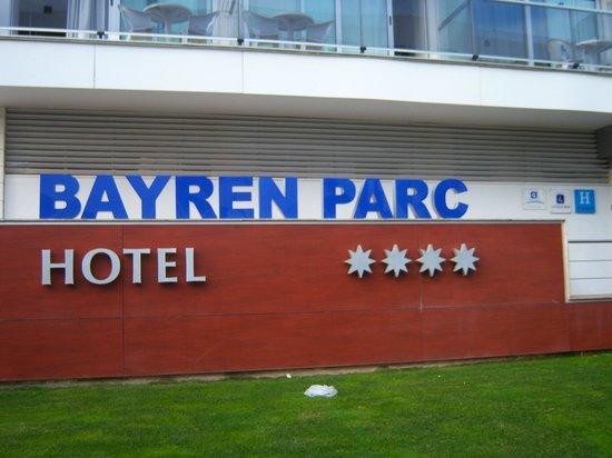 Hotel RH Bayren Parc: entrada al hotel.
