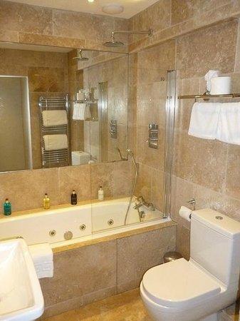 Leighton Townhouse : Bathroom in room 7