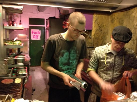 BBI - Berlin Burger International: Cookin' and workin'