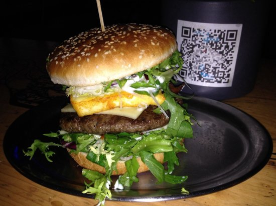 BBI - Berlin Burger International: My triple cheeseburger. Feb 2014 and sat outside on the benches. Perfect