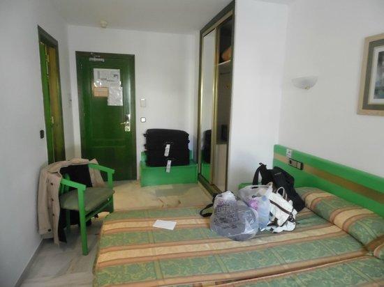 Nerja Club: Very dated room