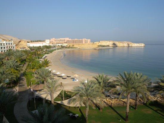 Shangri La Barr Al Jissah Resort & Spa-Al Waha: Veduta da stanza vista mare, 4° piano.