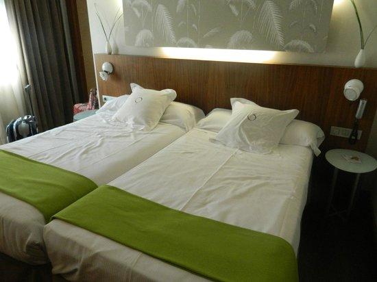 HOTEL OPERA : Dormitorio