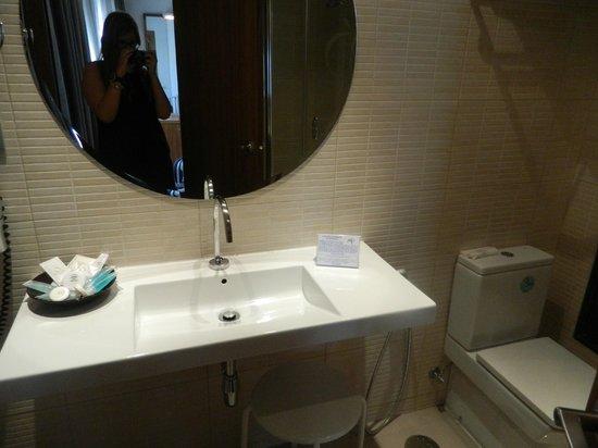 HOTEL OPERA : Baño