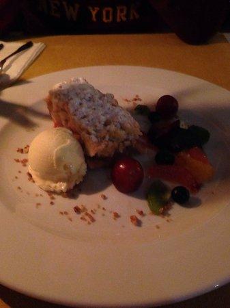 Trezo Restauracja : Warm apple pie