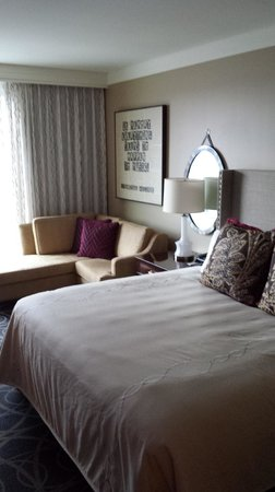 Omni Nashville Hotel: Great design in the room