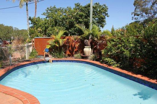 Noosa Sun Motel & Holiday Apartments: Pool