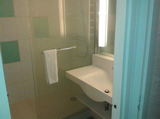 Novotel Antwerpen Noord: bathroom