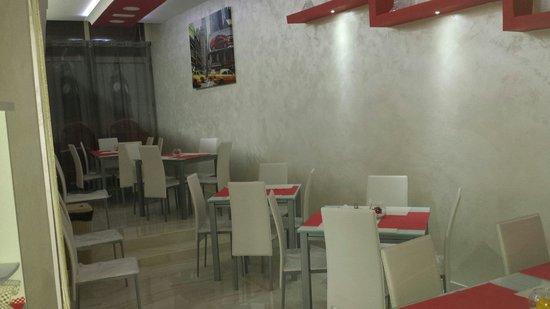 San Giuseppe Vesuviano, Italia: Pizzeria me gusta sala interna