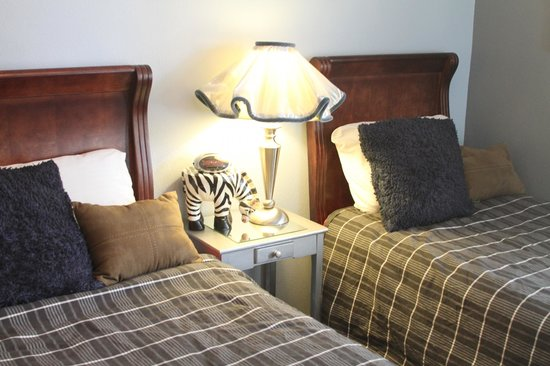 Mill Inn Bed and Breakfast: NY Twins Room