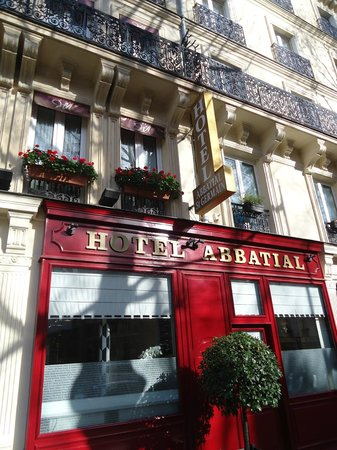 Hotel Abbatial Saint Germain: Entrance