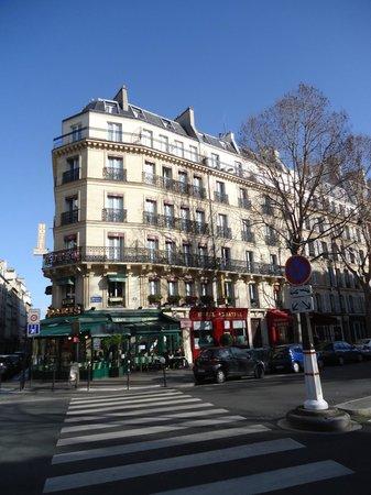 Hotel Abbatial Saint Germain: Hotel Building