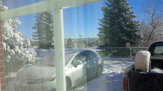 Hawthorn Suites by Wyndham Denver Tech Center: Sunshine & snow