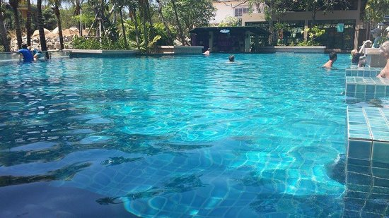 Avista Phuket Resort & Spa: POOL