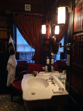 The Witchery by the Castle : Lovely complimentary toiletries with oversized robes & slippers - Andrew & Marie
