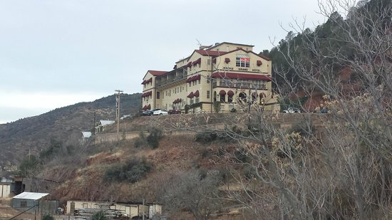 Jerome Grand Hotel: From the outside coming up the hill