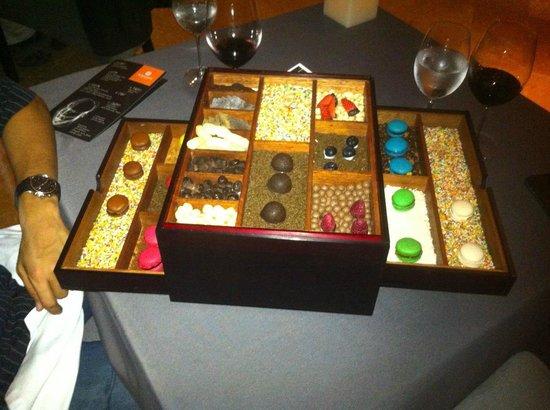 Restaurante Benazuza: Caja de chocolates