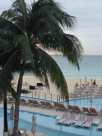 Playacar Palace : View from the lobby level just before sunrise. The marine layer disappeared quickly!