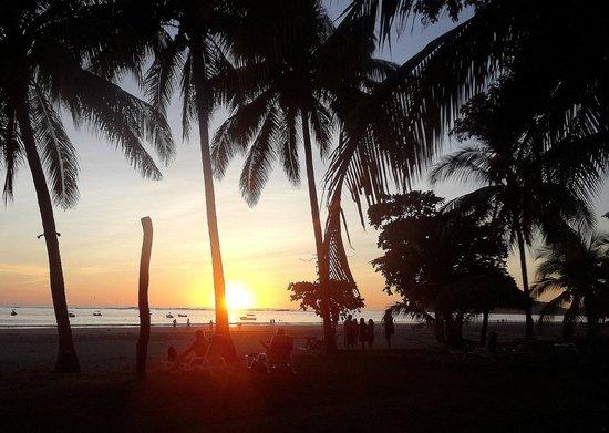 Hotel Villas Playa Samara: beach at sunset