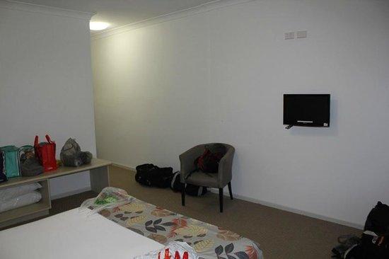 The Coast Motel: Bedroom