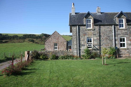 Brecklate B&B: Brecklate - front of house.