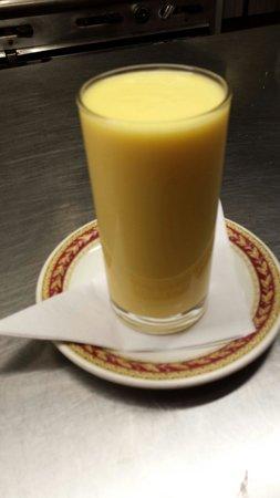 Monsoon Tandoori Restaurant: Mango juce