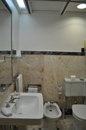 Britania Hotel : Bathroom