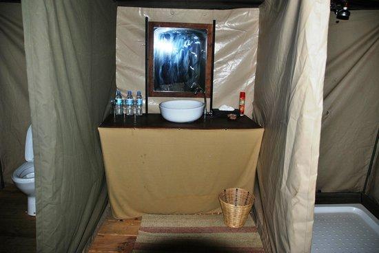 Ang'ata Camp Serengeti : Bagno