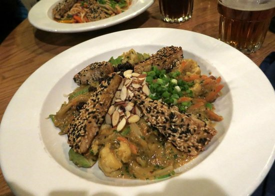 Adam's Mountain Cafe: Senegalese Vegetables with sesame-encrusted tofu
