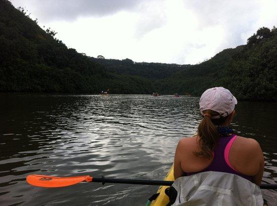 Kayak Kaua'i : on the broad Wailua...