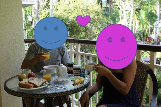 Paradise Links Resort Port Douglas: Balcony for a romantic breakfast!