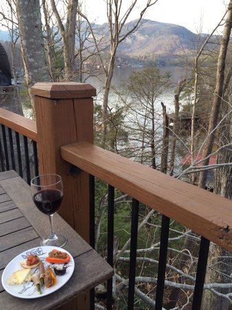 The Lodge on Lake Lure : Evening reception with Blue Cheese stuffed dates, prosciutto wrapped asparagus, etc etc. And a g