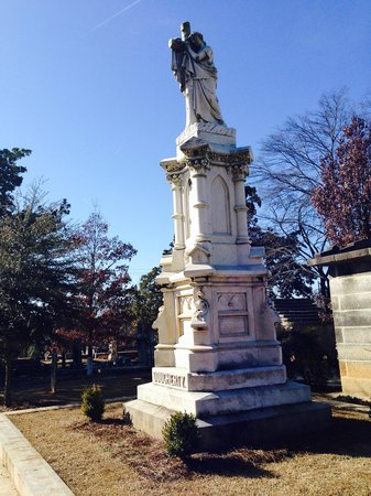 Oakland Cemetery: Some Greek inspired work