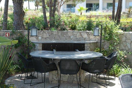 Conrad Algarve: One of the dining areas