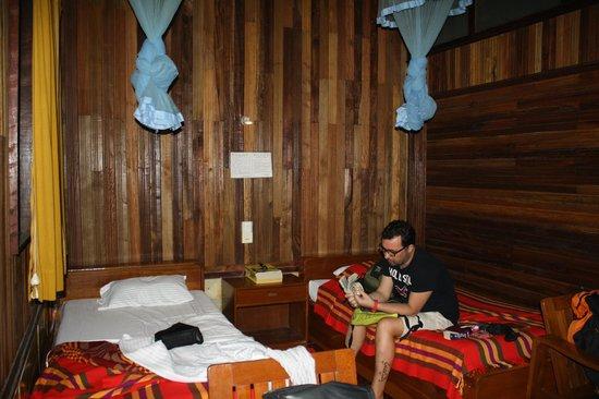 Bago Star Hotel: habitacion