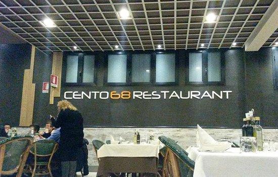 168 Restaurant: Parte del locale