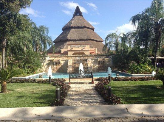 Sandos Playacar Beach Resort : entre