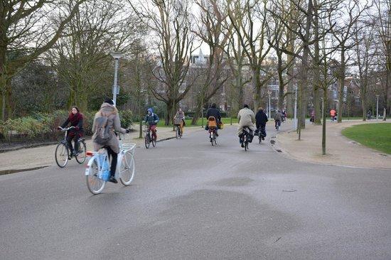 Vondelpark : more bikes
